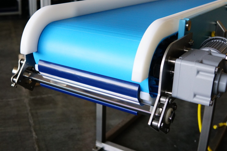 Belt Scraper Blade is New Option on DynaClean Conveyors